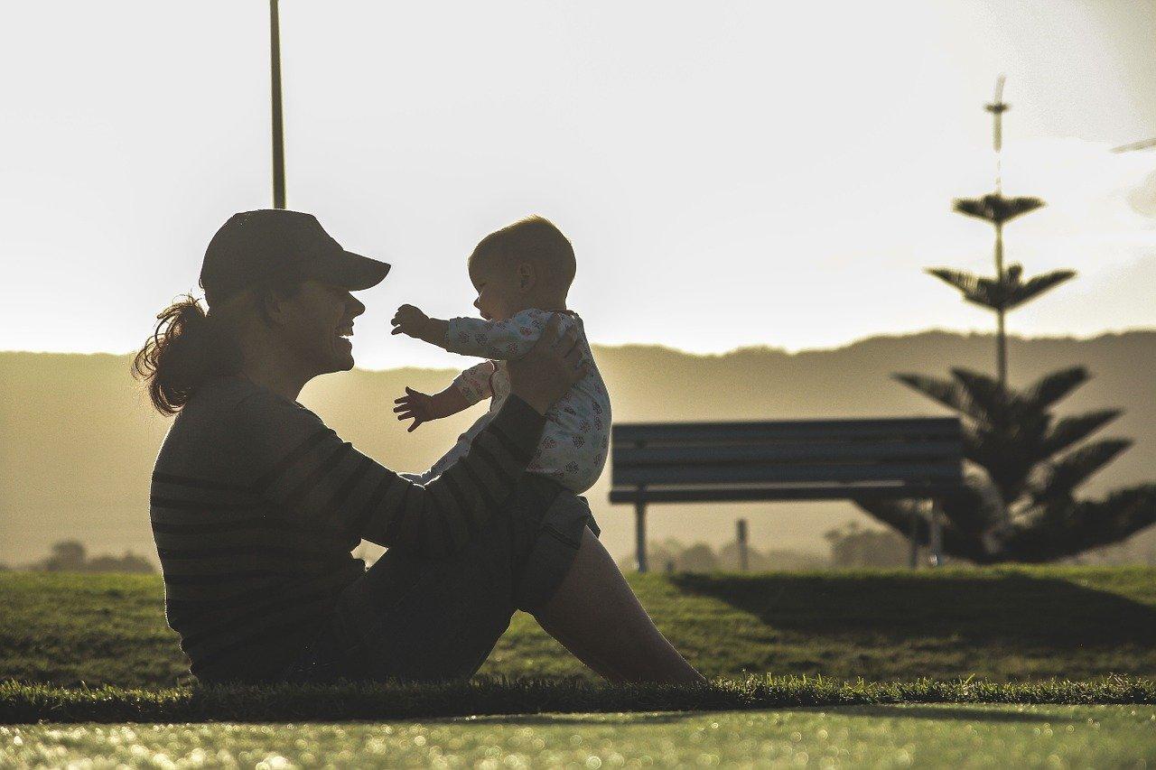 Poród, karmienie piersią i opieka nad dzieckiem – odchudzanie bez wysiłku?