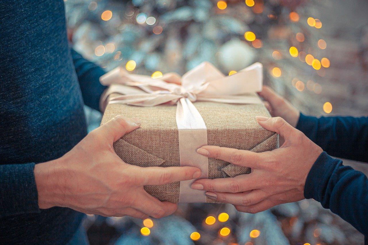 10 własnoręcznie robionych prezentów dla ciężarnych – na święta i nie tylko