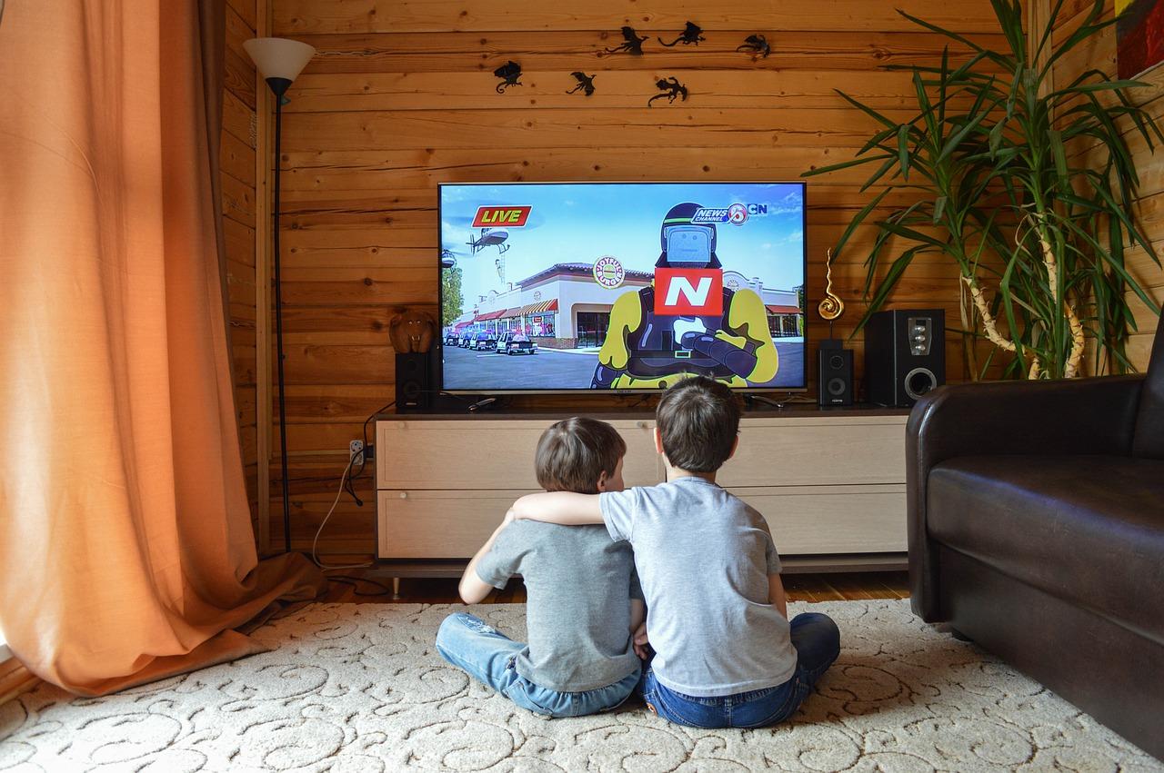 Niemowlę i telewizja – czas dla rodzica VS zdrowie dziecka