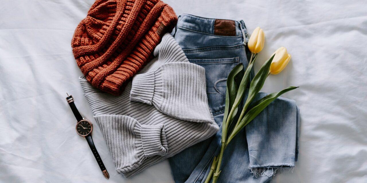 Home office – czy ubiór ma znaczenie? Sprawdź, co warto mieć w szafie